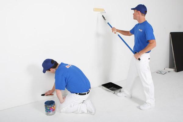 Chi phí sơn nội thất sẽ thấp hơn sơn ngoại thất, vì điều kiện cũng như chất lượng sơn của ngoại thất cao hơn.