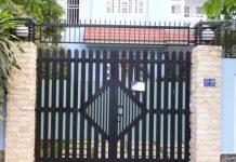 Cửa cổng sắt 2 cánh đơn giản cho nhà phố 23