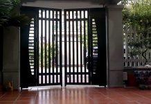 Mẫu cổng sắt đơn giản mà đẹp 2 cánh nhà phố