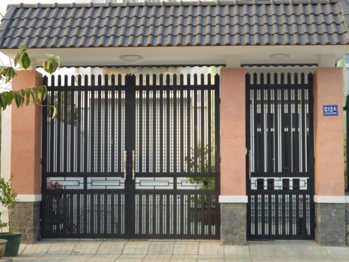Cổng sắt 2 cánh đơn giản thiết kế như rào sắt cho nhà ở 49
