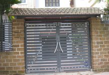 Mẫu cổng sắt 2 cánh đơn giản cho nhà phố 23