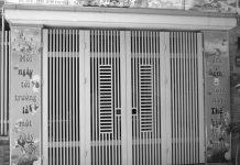 Mẫu cửa cổng sắt 4 cánh hiện đâị, an toàn, đơn giảnưng rất an toàn cho nhà phố