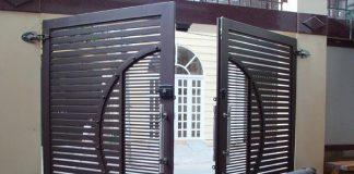 Mẫu cổng sắt 2 cánh đơn giản cho nhà phố 17