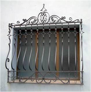Song sắt cửa sổ hoa văn phong cách Châu Âu