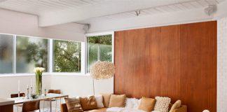 Trang trí phòng khách với điểm nhấn là tường ốp gỗ
