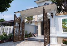 cổng nhà nên mở ra hay mở vào